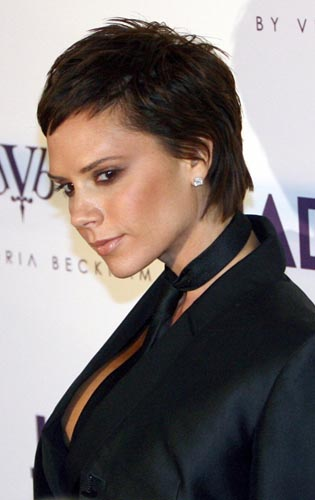 2012-2009-short-hairstyle-from-Victoria-Beckham-4.jpg