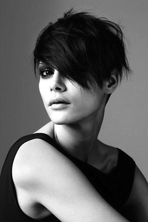 7-Le-Fashion-Blog-20-Inspiring-Short-Hairstyles-Asymmetrical-Hair-Via-Elle-France.jpg