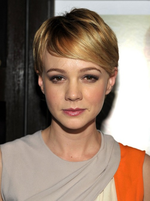 Carey-Mulligan-Short-Straight-Hairstyle-with-Bangs.jpg