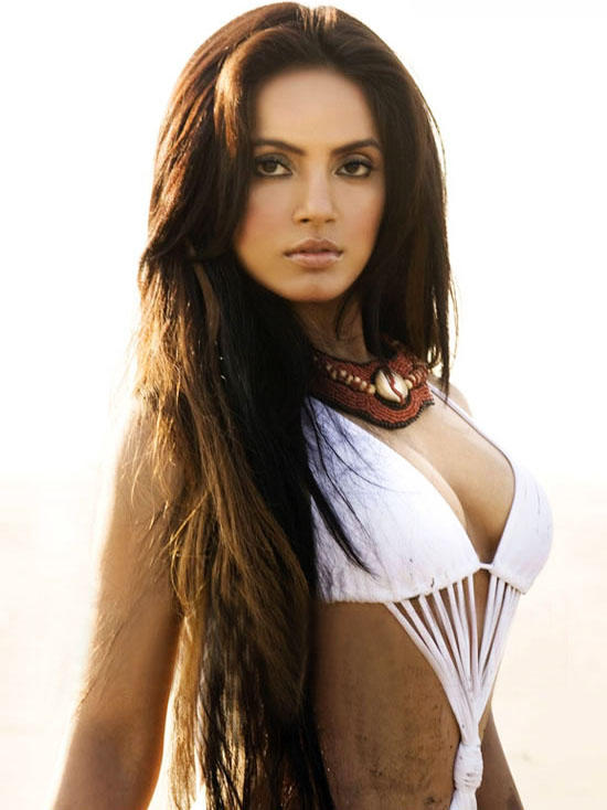 Neetu Chandra Long Hair Hot Dressing Pic .jpg
