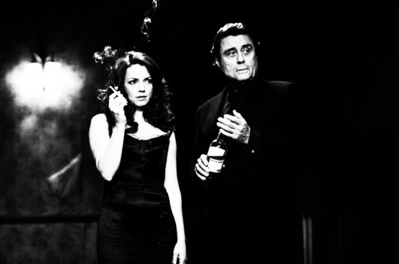 44-Inch-Chest-film-still-Ian-McShane-Joanne-Whalley-575x380.jpg