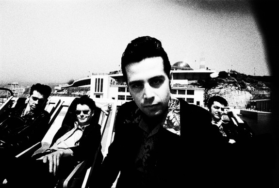 Gallon-Drunk-1991-At-The-Seaside-The-Last-Gang-In-Town-Steve-Gullick-Afterhours-Sleaze-and-Dignity-575x388.jpg