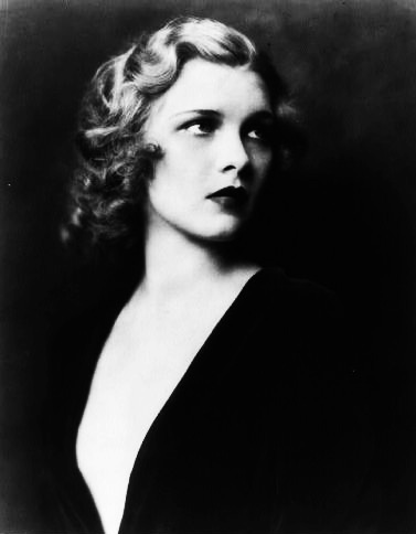 Jazz-Age-Beauties-Alfred-Cheney-Johnston-book-Afterhours-Sleaze-and-Dignity-3.jpg