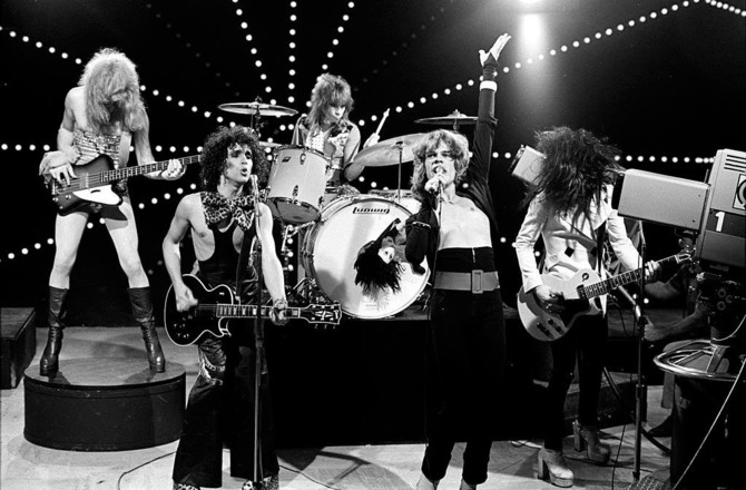 NEW-YORK-DOLLS-THE-REAL-DON-STEELE-SHOW'-1973-4-1024x674.jpg
