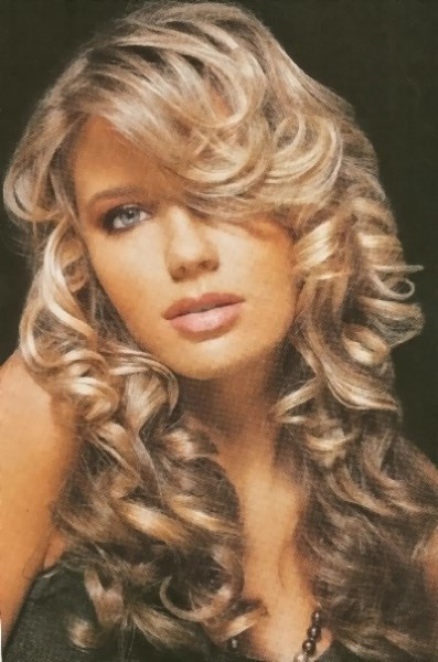 New-Long-Curly-Hairstyle-397x600.jpg