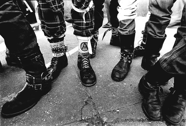 punk-fashion-london-1980s-1.jpeg
